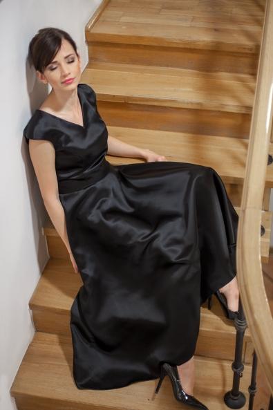 """Sukienka """"Operowa"""" czarna"""