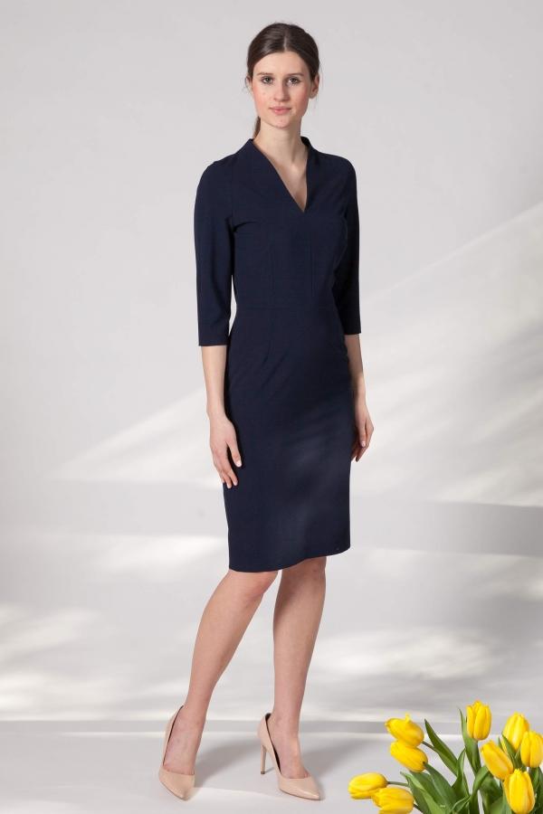 328298064 Lozanna - klasyczna wąska sukienka z dekoltem w szpic i stójką na szyi