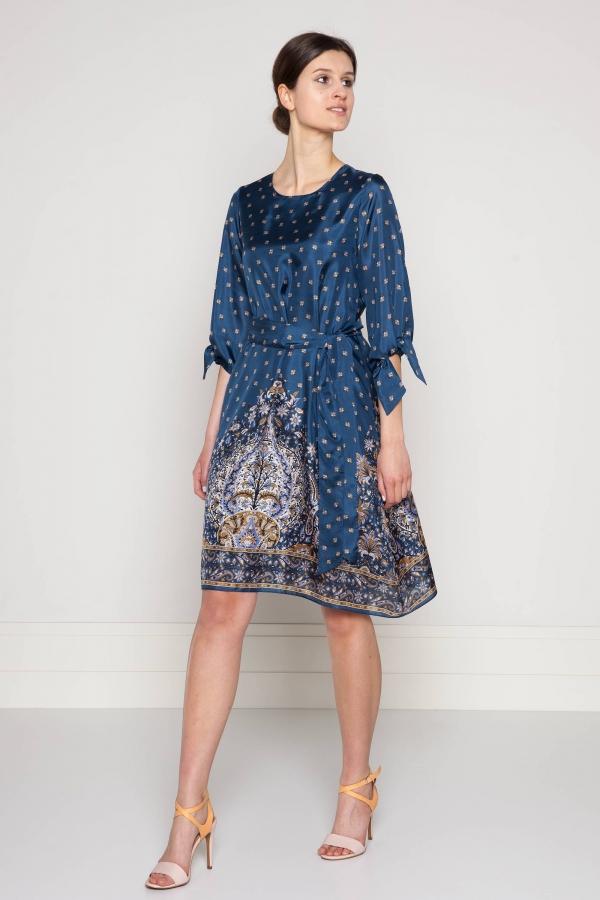c407aa9f9 Sukienka z jedwabiu w orientalny wzór. Beata Cupriak