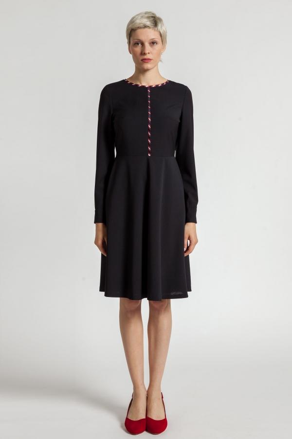 Sukienka z wełny garniturowej w drobną kratkę. Beata Cupriak